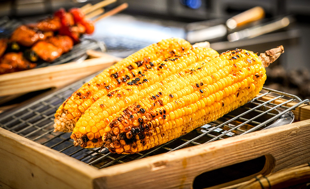 Corn on the cob on a grill