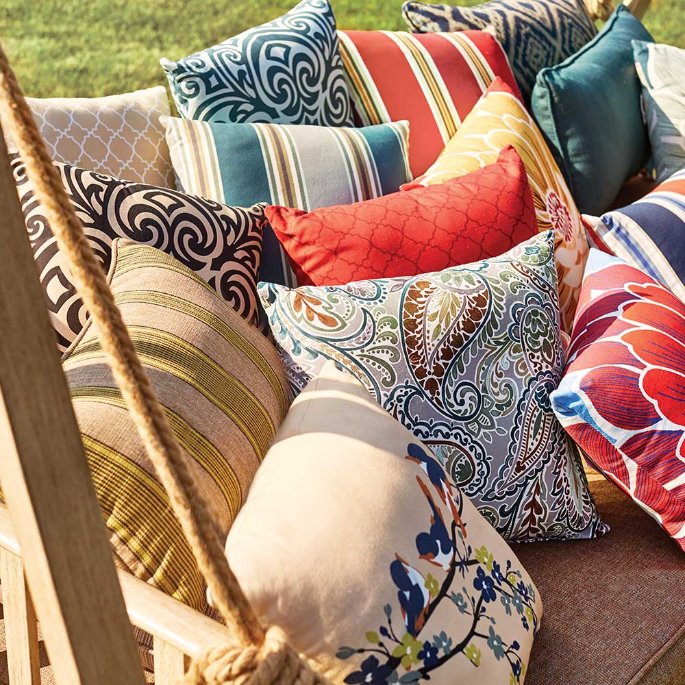 6 Ways to Bring Color to Your Outdoor Decor