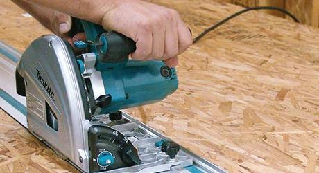 Making cuts - Cutting Ripping with Circular Saw