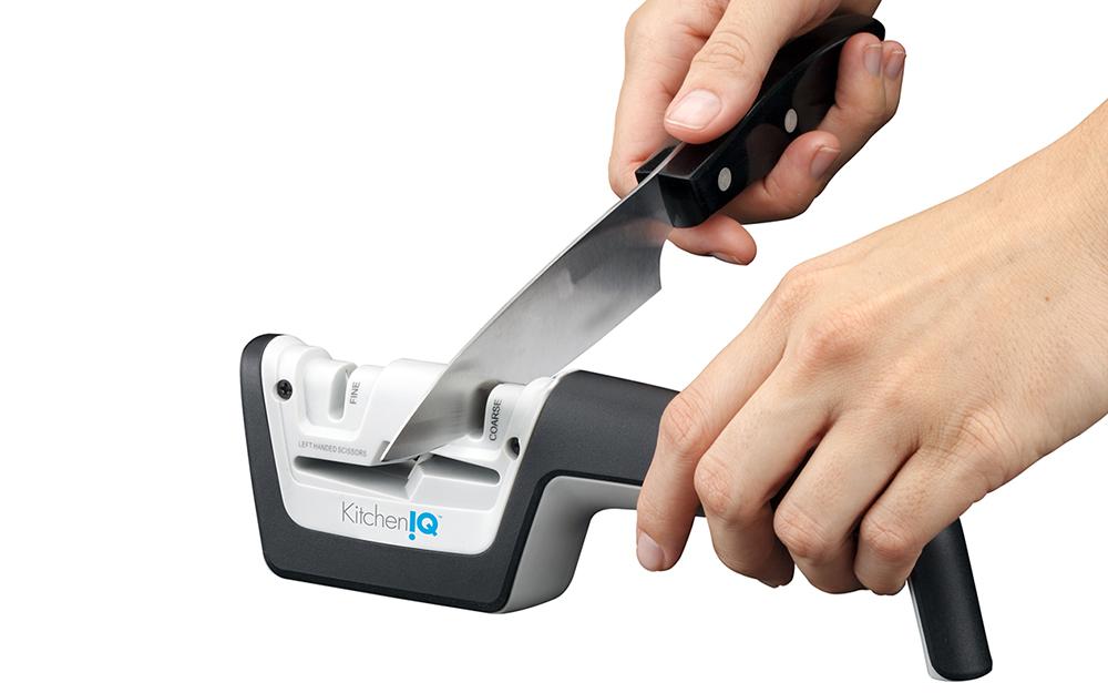 Một máy mài dao thủ công.