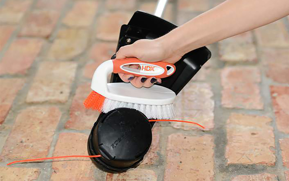 Clean - Maintain Weed Trimmer