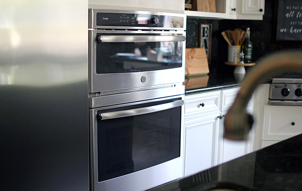 An oven in a kitchen.