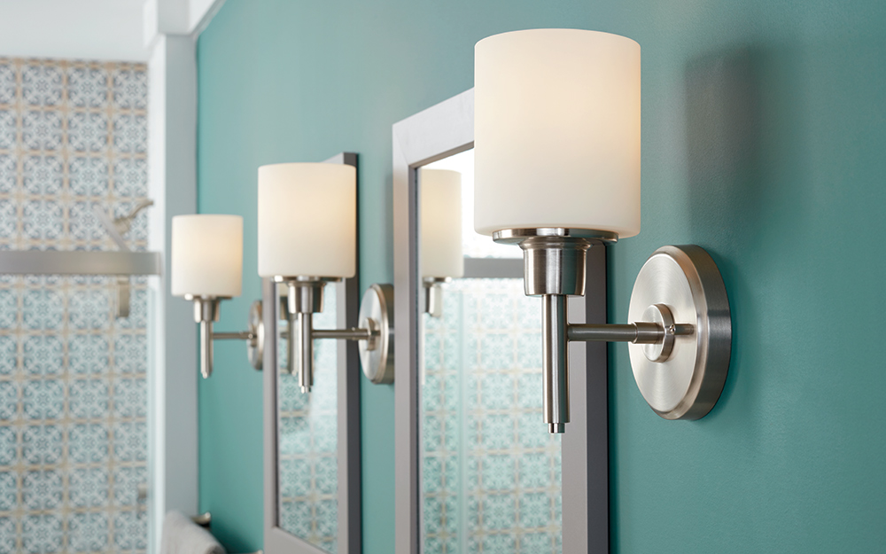 Đèn chiếu sáng trong phòng tắm màu xanh lam.