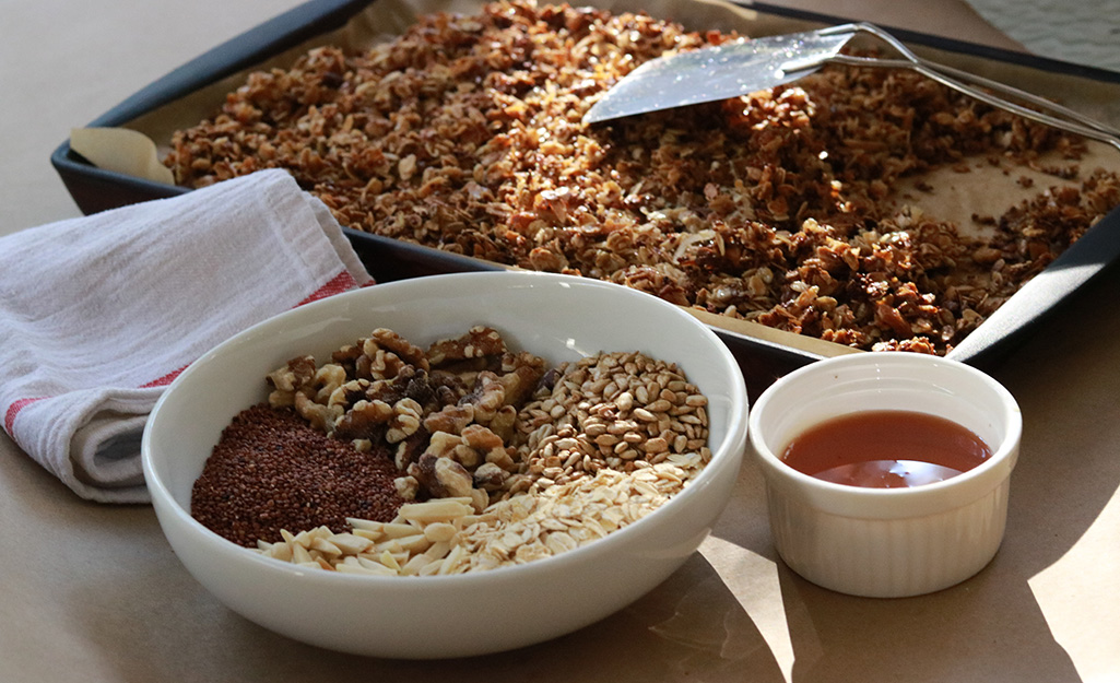 Granola With Quinoa and Walnuts Recipe