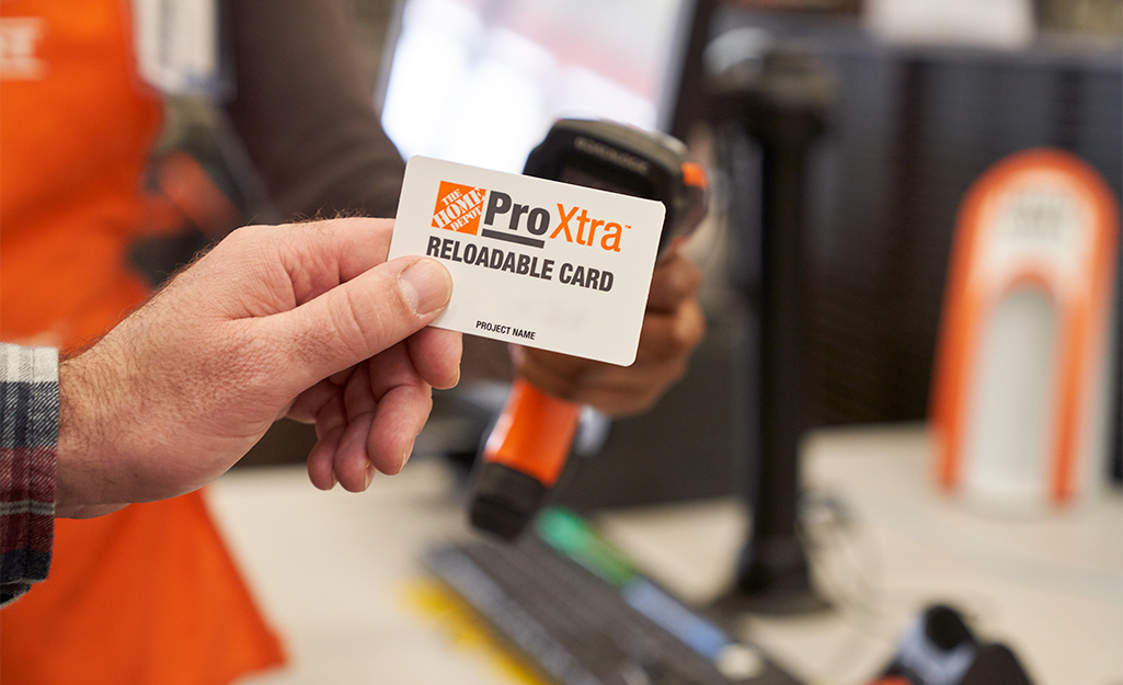 Man uses Pro Xtra card at a store