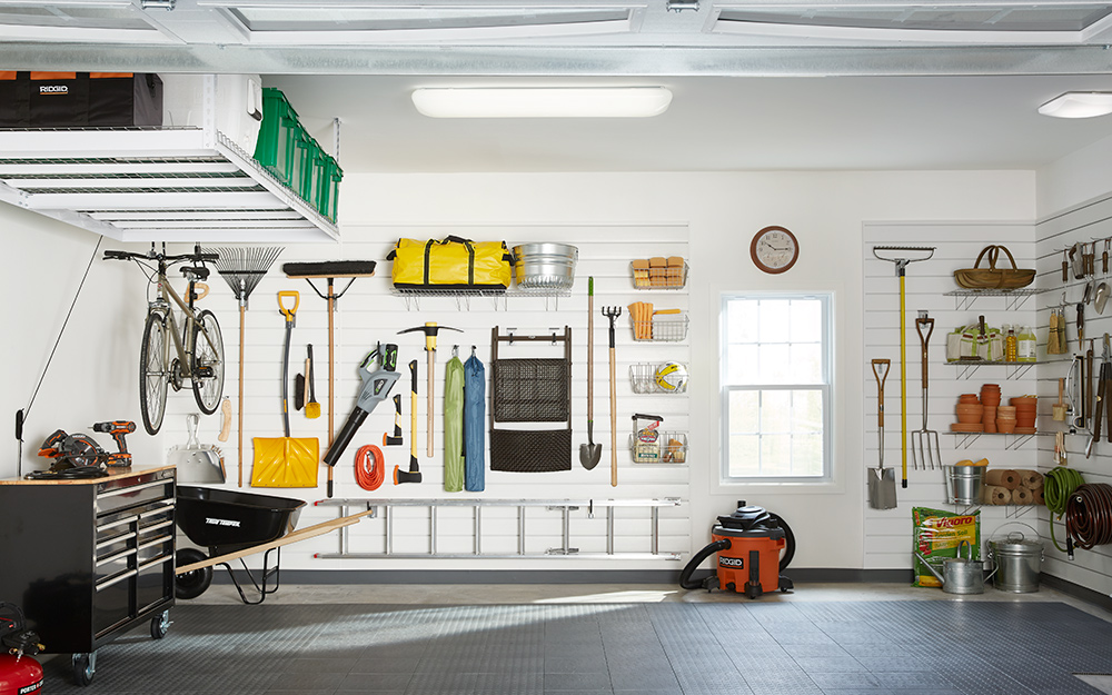 Top 5 Suggestions to Choose Best Lighting for Garage Workshop