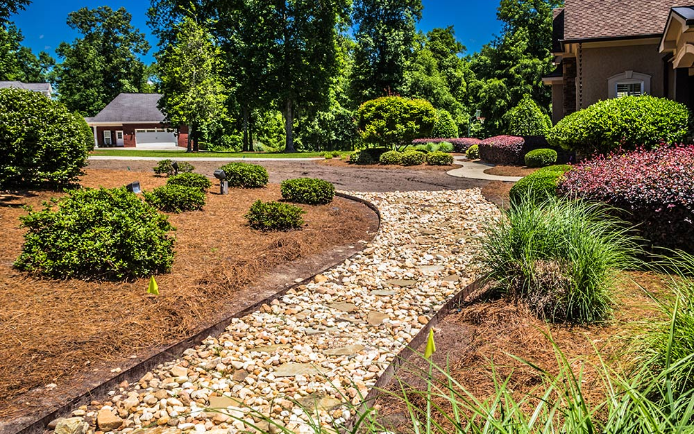 Best Mulch For Your Yard The Home Depot