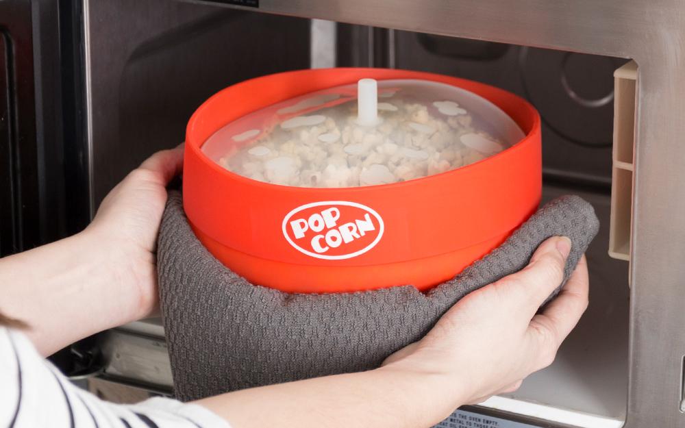 a microwave popcorn popper