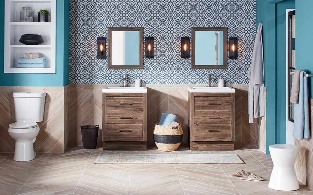 Một phòng tắm với gạch sứ trang trí.