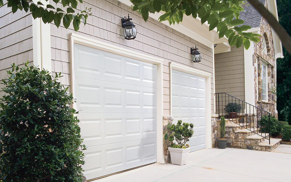 Tips For Choosing The Right Size Outdoor Wall Lights The Home Depot
