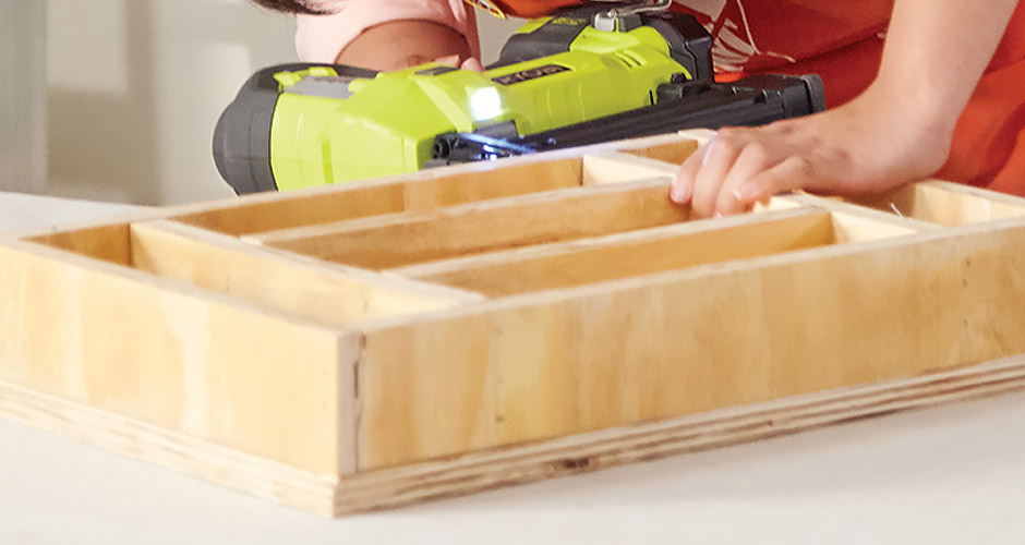 inserting-dividers-with-nailer
