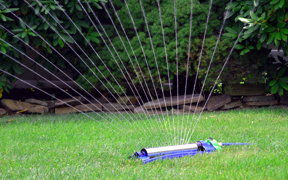 Best Sprinklers For Your Lawn And Garden The Home Depot