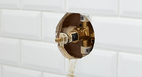 How To Fix A Leaking Bathtub Faucet The Home Depot
