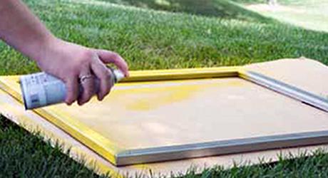 Spray paint frame - Make Chicken Wire Frame