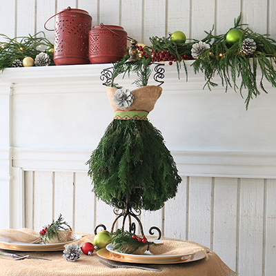 How to Make a Stylish Christmas Tree Dress Centerpiece