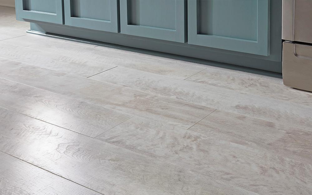 sàn gỗ công nghiệp màu xám bóng