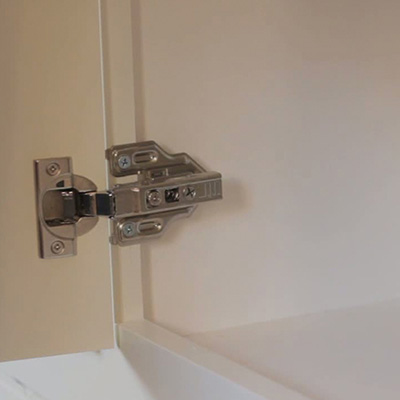How to Replace Hinges