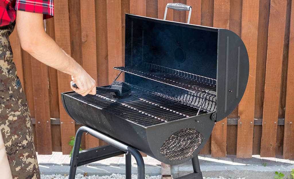 How To Use A Smoker The Home Depot