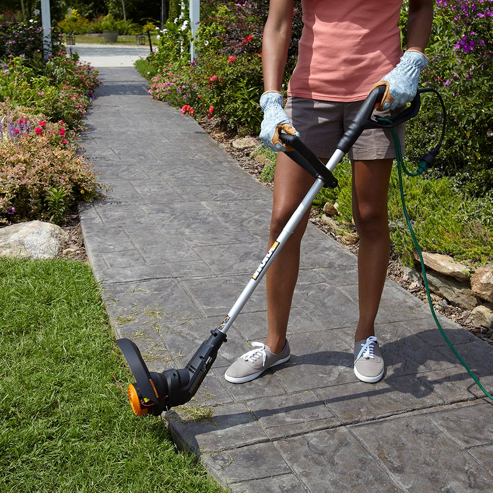 How To Use A String Trimmer The Home Depot