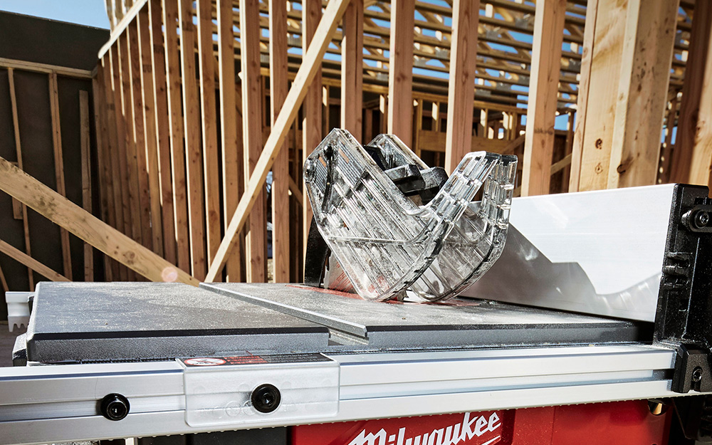 An up close view of a table saw.