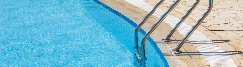 How to winterize pool hero
