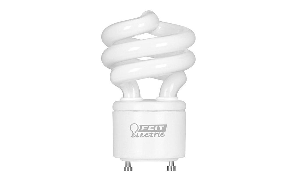 Một bóng đèn ổ cắm hai chân GU24.