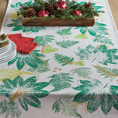 Make a Botanical Table Runner for Your Holiday Table