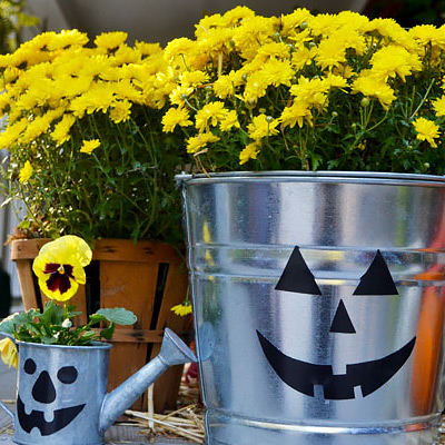 Make a Jack-O'-Lantern from a Galvanized Bucket