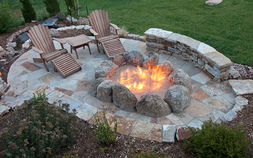 10 Sizzling Hot Outdoor Fire Pit Es