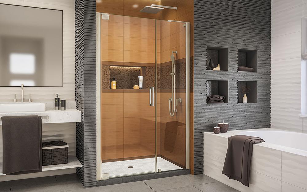 Cửa tắm có bản lề.
