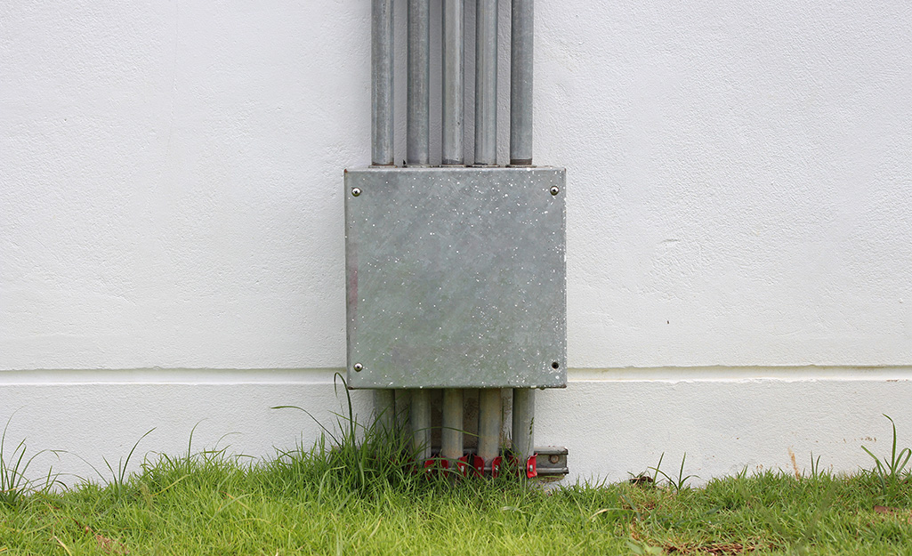 Metal conduit being used outdoors.
