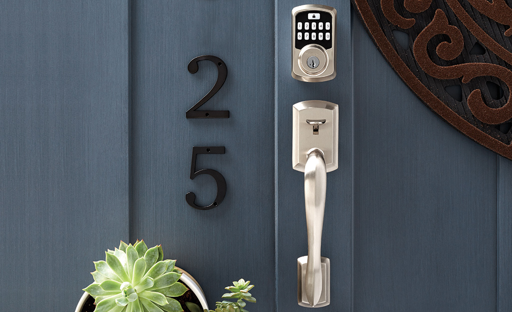 A handleset with a keypad special feature.