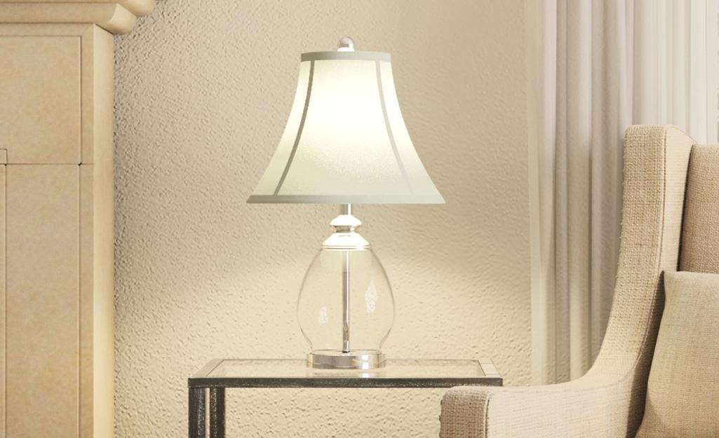 Một chiếc đèn có bóng đèn chuông.