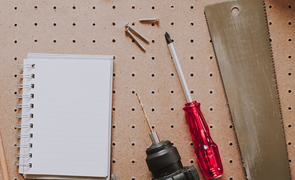 A JIS screwdriver on a work table.