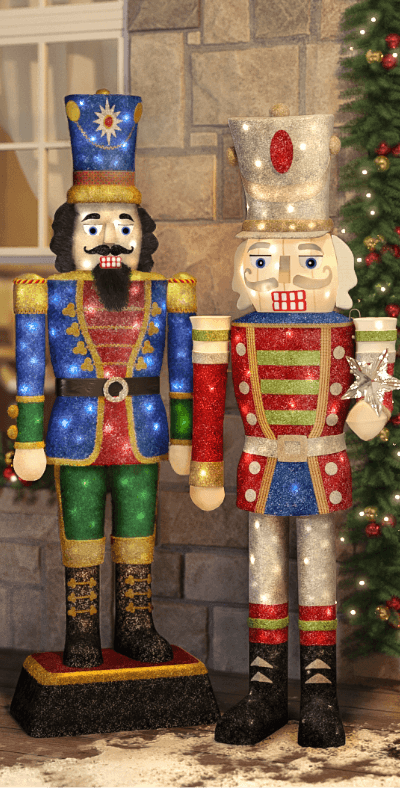 nutcrackers - Cool Outdoor Christmas Decorations
