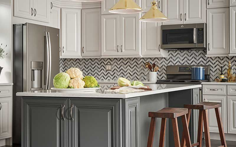 Thomasville Kitchen Cabinets >> Top Cabinet Brands At The Home Depot