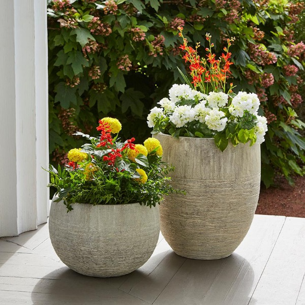 Charmant Flower Pots