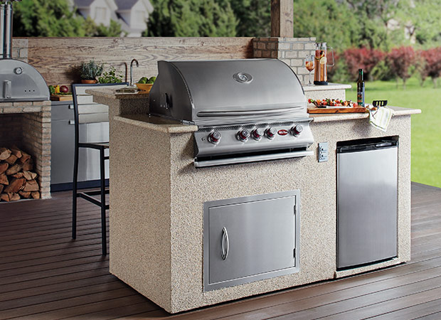 Outdoor kitchens the home depot for Gasgrill fur outdoor kuche