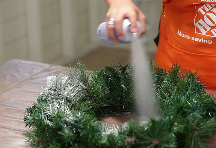 how to make a christmas centerpiece at the home depot