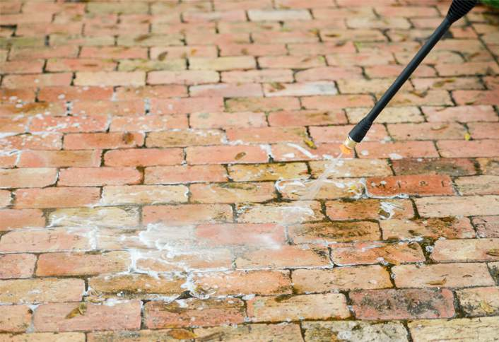 how to clean brick with water stains