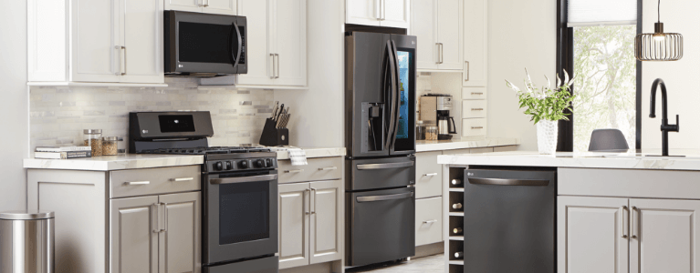 4 Piece Stainless Steel Kitchen Aid Appliance Package