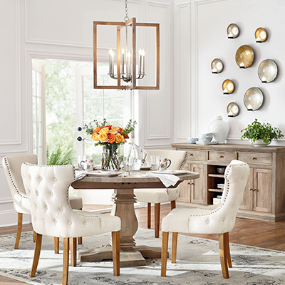 Airy Classic Dining Room