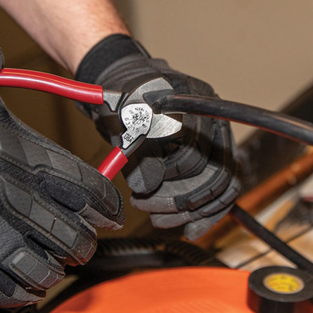 Compact Cutters for Confined Spaces