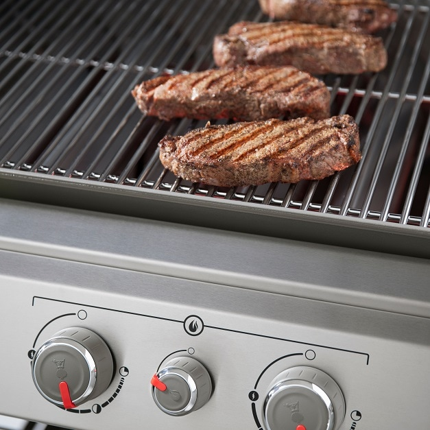 The Sear Station creates an intense heat zone to quickly add sear marks to your meat.