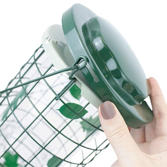 secure lid, squirrel resistant seed feeders