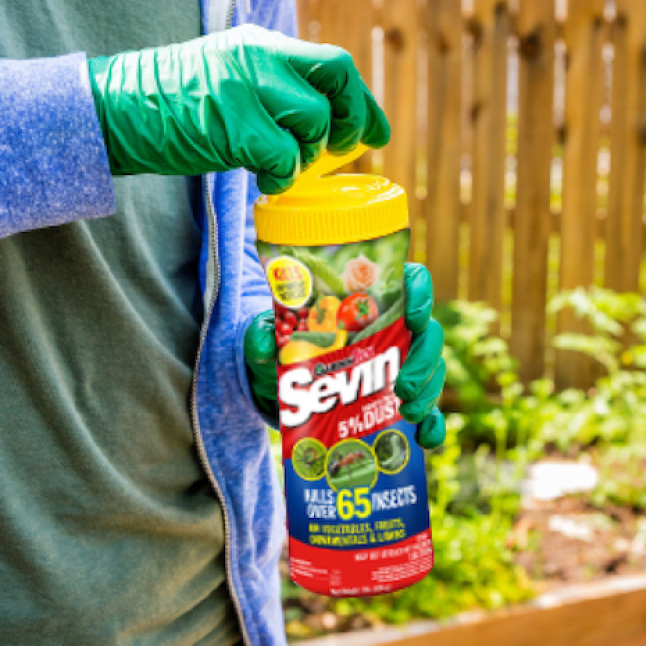 Sevin-5 Ready-To-Use 5% Dust step 1 application