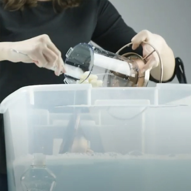 how to clean seed feeders step 2, sure lock lid seed feeders