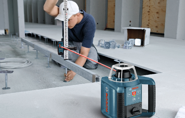Bosch GRL300HVCK being used for long distance leveling.