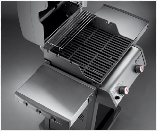 360 square inches of main grilling space.