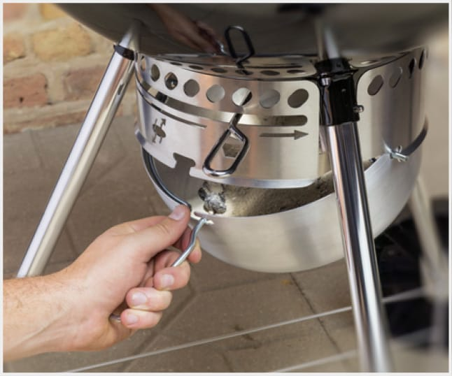 The One-Touch™ cleaning system provides hassle-free cleanup.